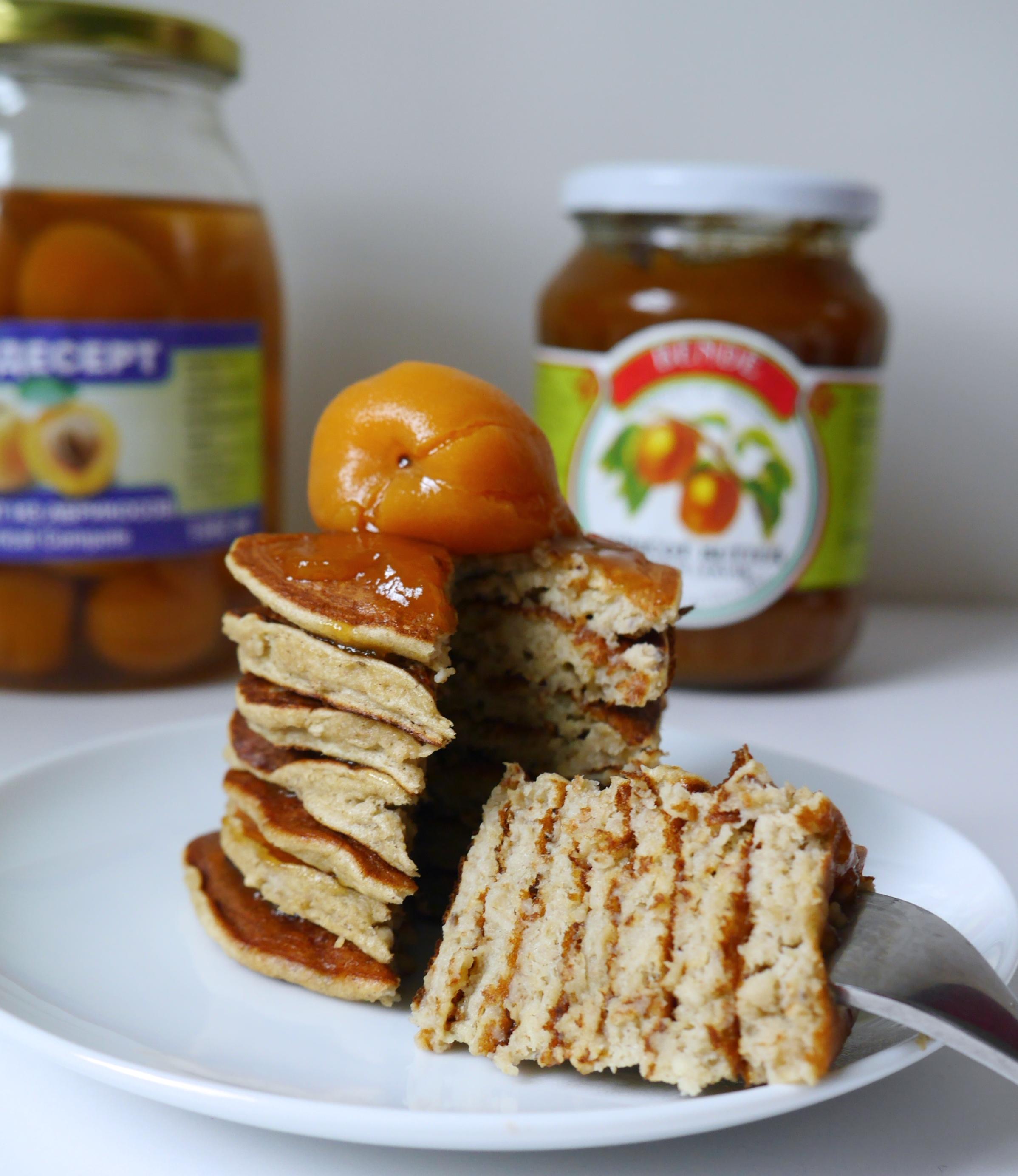 apricot oatmeal pancakes